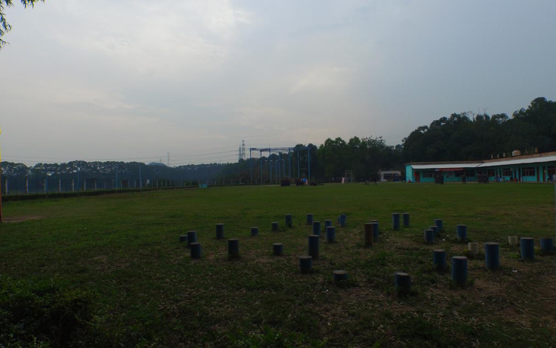 度假村里面的拓展训练场地.png