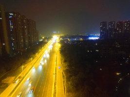 龙泉龙城一号附件夜景