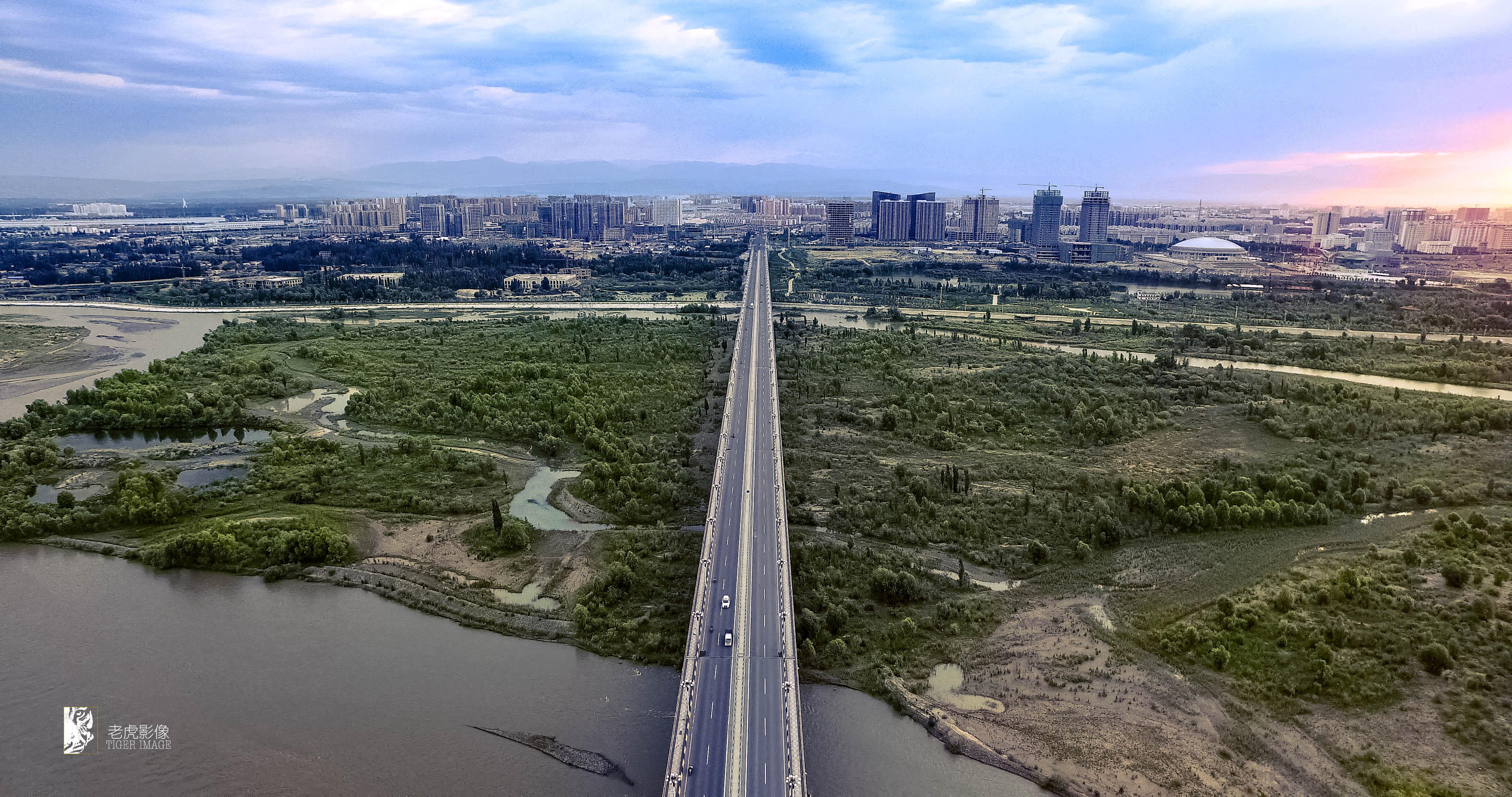 伊犁河大桥.jpg