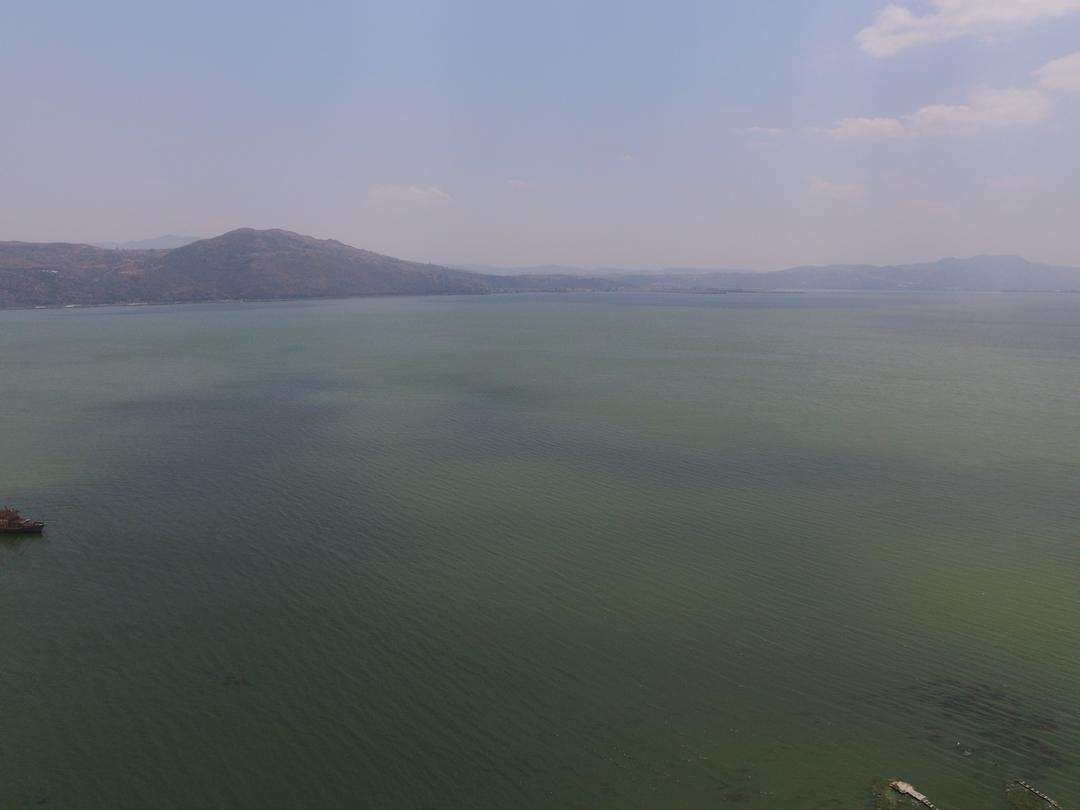 抚仙湖岸边航拍
