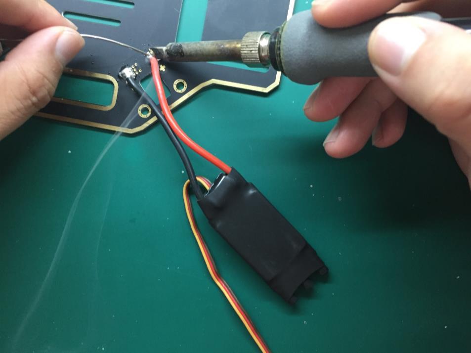 10-焊电调.jpg