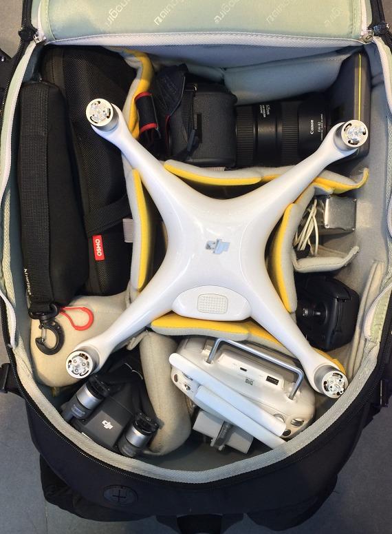 精灵4 御 Osmo 单反 三脚架好像还能放几块电池
