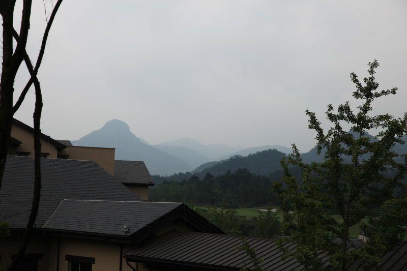 安吉-远山.JPG